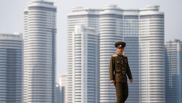 Un soldado norcoreano en Pyongyang, Corea del Norte - Sputnik France