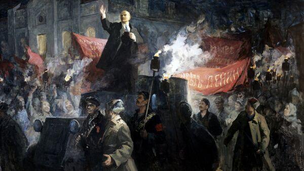 Картина Приезд В.И. Ленина в Петроград 3 (16) апреля 1917 года - Sputnik France