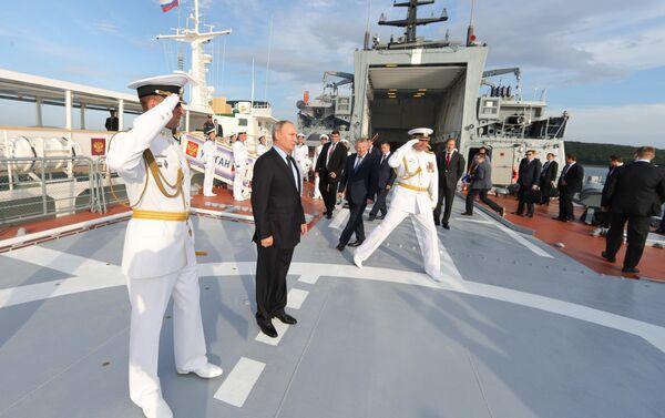 Poutine inspecte la corvette dernier-cri Sovershennyy à Vladivostok - Sputnik France