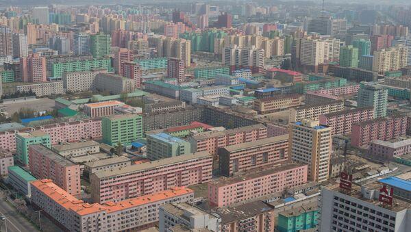 Вид на Пхеньян со смотровой площадки монумента идей Чучхе - Sputnik France