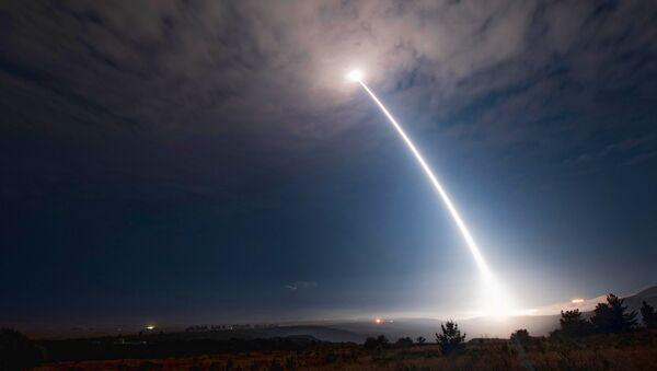 Lancement d'un missile Minuteman 3 depuis la base aérienne de Vandenberg, en 2107. - Sputnik France
