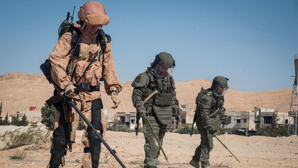 La paix avance à Deir ez-Zor: 906 explosifs neutralisés par les démineurs russes en 24h - Sputnik France