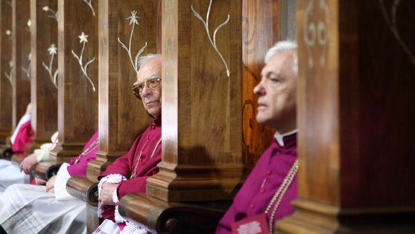 Prêtres catholiques - Sputnik France