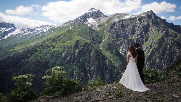 Les jeunes mariées à Dombaï - Sputnik France