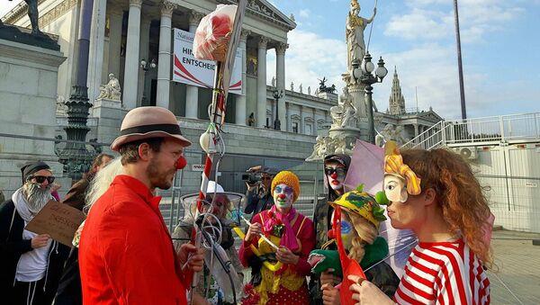 Loi anti-dissimulation du visage en Autriche: les clowns réagissent - Sputnik France