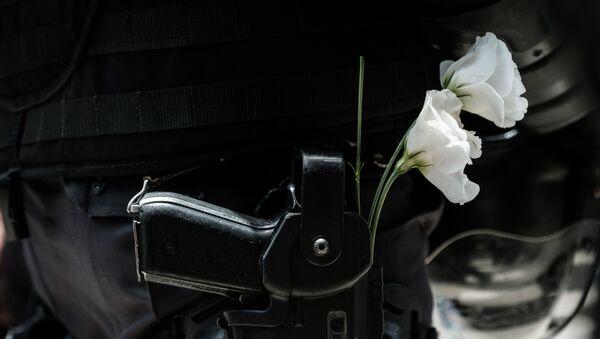 La fleur au fusil - Sputnik France