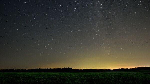 Une pluie d'étoiles filantes - Sputnik France