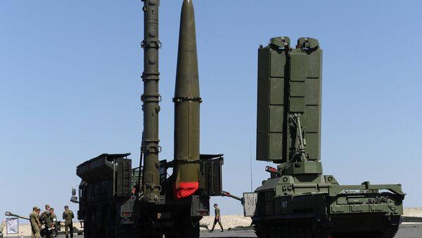 Un système de missiles sol-air S-400 Triumph - Sputnik France