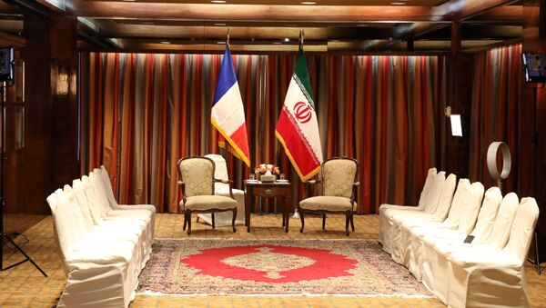A picture of the seating area is taken before a meeting between French President Emmanuel Macron and his Iranian counterpart Hassan Rouhani at a hotel in New York on September 18, 2017, as world leaders gathered in the United States for the UN General Assembly. - Sputnik France