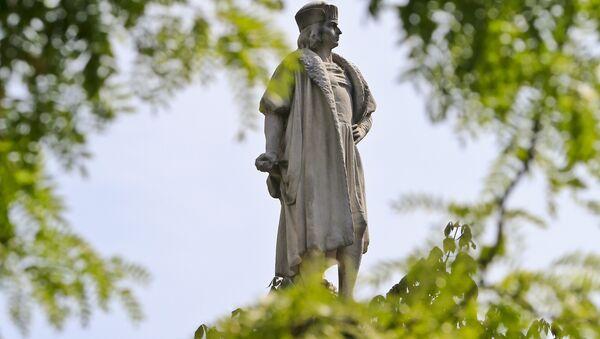 Statue de Christophe Colomb à New York - Sputnik France