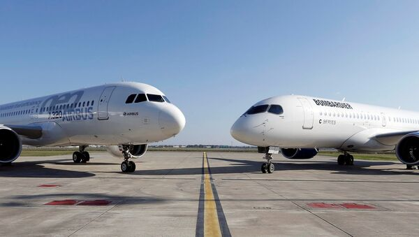 An Airbus A320neo aircraft and a Bombardier CSeries aircraft are pictured during a news conference to announce a partnership between Airbus and Bombardier on the C Series aircraft programme, in Colomiers near Toulouse, France, October 17, 2017. - Sputnik France