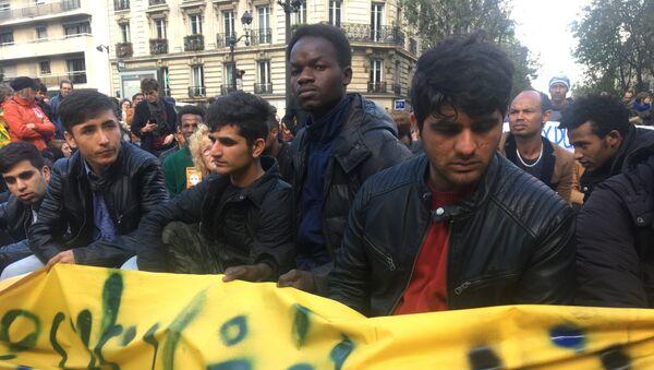 Manifestation des migrants à Paris - Sputnik France