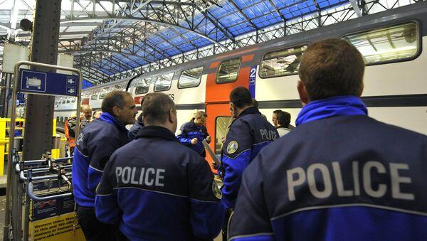 Policemen stand on a platform. Switzerland (File) - Sputnik France