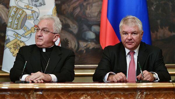 Встреча главы МИД РФ С. Лаврова с государственным секретарём Ватикана П. Паролином - Sputnik France