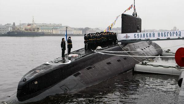Передача ВМФ РФ дизель-электрической подводной лодки Великий Новгород - Sputnik France