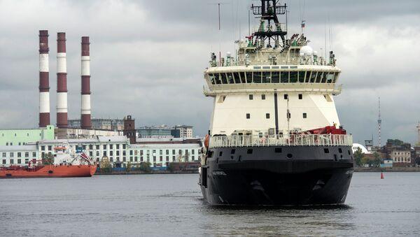 Дизель-электрический ледокол Илья Муромец, построенный для ВМФ России, выходит в море для прохождения государственных испытаний. - Sputnik France