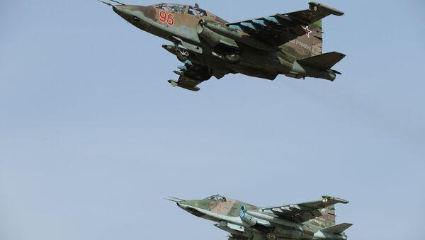 Des avions russes Su-25SM lors d'une répétition du Défilé de la Victoire - Sputnik France