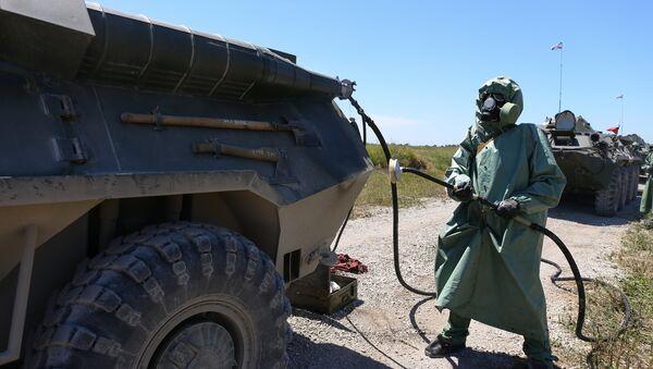 Un militaire des Troupes russes de la protection radio, chimique et biologique - Sputnik France