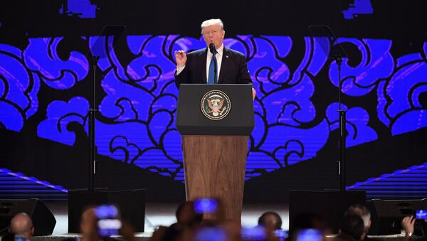 U.S. President Donald Trump speaks on the final day of the APEC CEO Summit, part of the broader Asia-Pacific Economic Cooperation (APEC) leaders' summit, in Danang, Vietnam, November 10, 2017 - Sputnik France