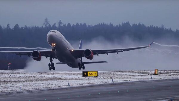 Des avions de lignes s'envolent au ralenti - Sputnik France
