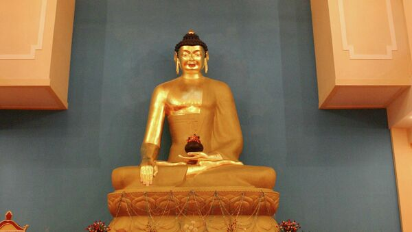 The statue of Buddha in a new temple in Elista - Sputnik France