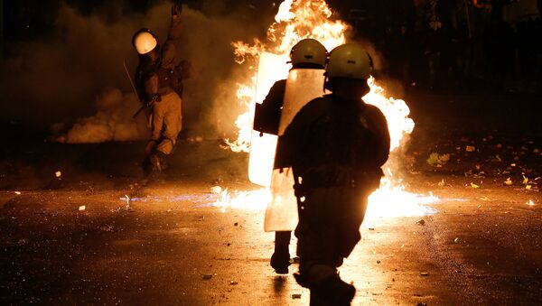 Greeks march to mark 1973 student revolt against military junta - Sputnik France