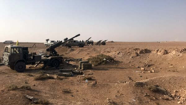 L'artillerie déployée près d'Abou Kamal, en Syrie - Sputnik France