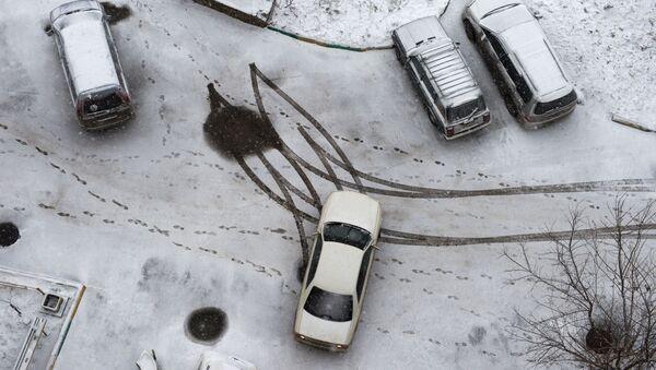 La pluie glacée tombée sur le sud de la Russie joue des tours aux conducteurs (image d'illustration) - Sputnik France