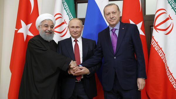 Встреча президента РФ В. Путина с президентом Ирана Х. Рухани и президентом Турции Р. Эрдоганом - Sputnik France