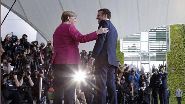 Angela Merkel, canciller de Alemania, y Emmanuel Macron, presidente de Francia - Sputnik France