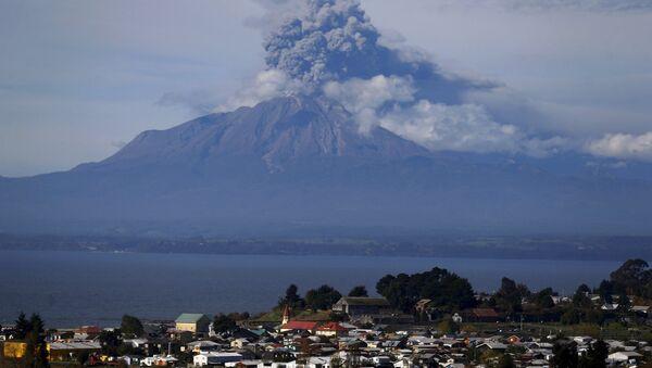 Le volcan Calbuco, au Chili, image d'illustration - Sputnik France