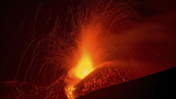 Une éruption volcanique - Sputnik France