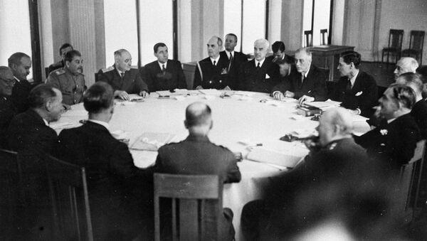 Les Alliés de la Seconde Guerre mondiale discutent  le destin du monde d'après-guerre - Sputnik France