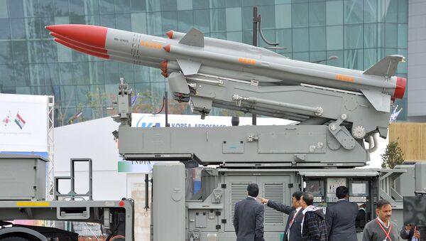 Un missile sol-air indien Akash - Sputnik France