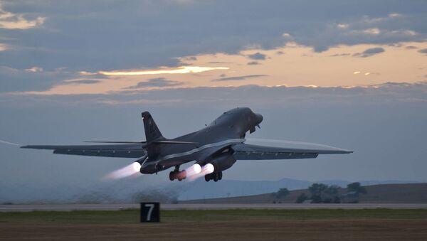 Un bombardier stratégique Rockwell B-1 Lancer - Sputnik France