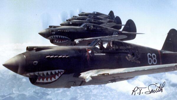 Des chasseurs américains Curtiss P-40 Warhawk survolent la Chine en 1942 - Sputnik France