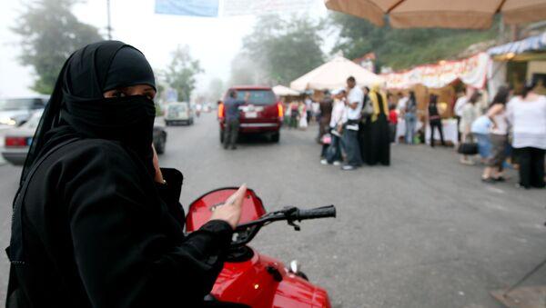 les Saoudiennes pourront bientôt conduire des motos - Sputnik France