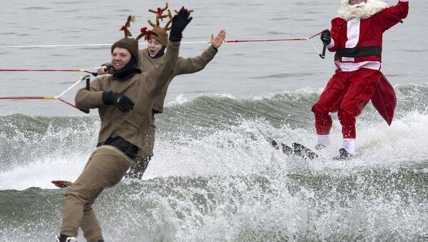 Spectacle de Noël en ski nautique - Sputnik France