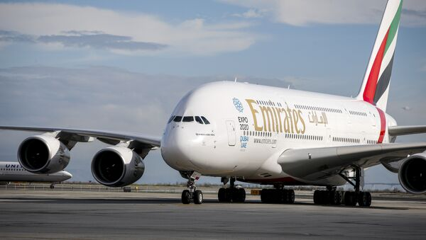 Emirates' inaugural A380 flight to San Francisco International Airport approaching gate on Monday, Dec. 1, 2014, in San Francisco - Sputnik France