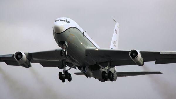Avion d'observation américain Boeing OC-135B - Sputnik France
