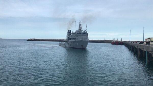 Barco de la armada argentina que transportará el sumergible ruso de observación subacuática Pantera Plus para buscar el submarino San Juan - Sputnik France