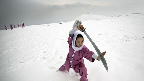 entraînement d'une étudiante Shaolin - Sputnik France