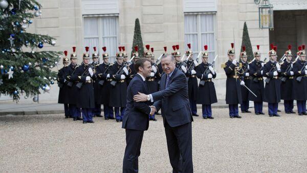 Emmanuel Macron et  le Président turc, M.Erdogan - Sputnik France