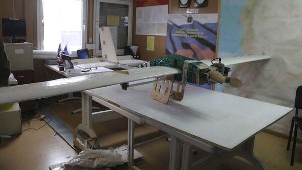 une attaque terroriste massive de drones ciblant la base aérienne de Hmeimim - Sputnik France