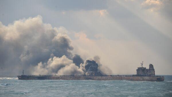 Le pétrolier Sanchi en flammes au large de la Chine - Sputnik France