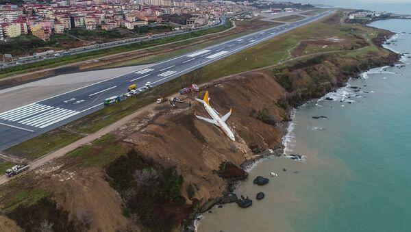 Un avion turc est sorti de la piste et a failli tomber dans la mer - Sputnik France