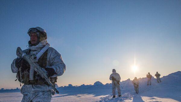 L'entraînement militaire en Arctique  - Sputnik France