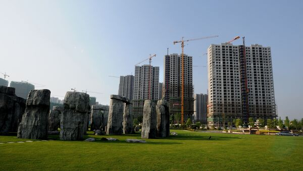 This photo taken on May 7, 2012 shows a replica of the World Heritage Site of Stonehenge at a park beside a new housing project in Hefei, east China's Anhui province - Sputnik France