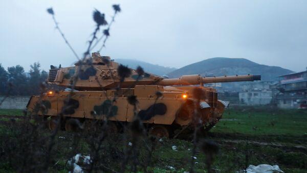 Ejército de Turquía en la frontera con Siria - Sputnik France