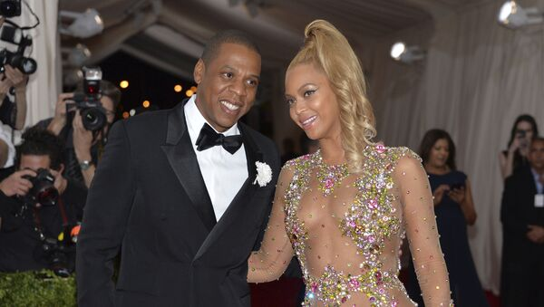 In this May 4, 2015, file photo, Jay Z, left, and Beyonce arrive at The Metropolitan Museum of Art's Costume Institute benefit gala celebrating China: Through the Looking Glass in New York - Sputnik France